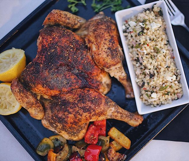 My first roasted spatchcock chicken and I'm never going back! Skin was so crispy and meat was so juicy! It also had tons of flavor from the za'atar rub. I rounded out the dish with roasted veggies and couscous 😋