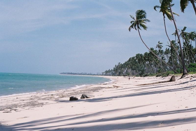 Beach Guludo 1.JPG