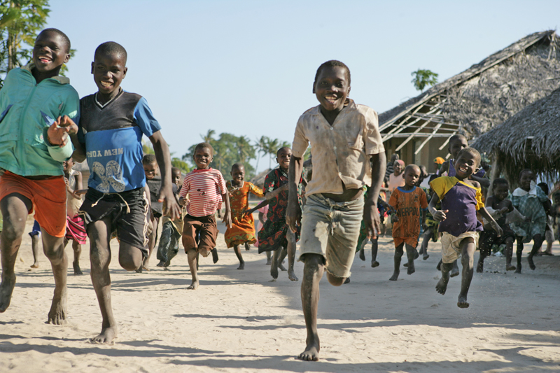 guludo kids running race.jpg