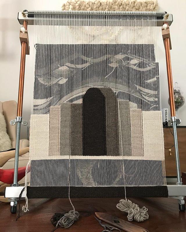 It's starting to look like something... 😊 〰️〰️〰️ . . . . #wip #tools #behindthescenes #creative #creativelife #weaving #highlandwool #peruvianwool #wool #handwoven #textiles #handmade #loom #mirrix #mirrixlooms #mirrixmade #thewovencraft #weavingnewjersey #neutrals #weavingtools #tejido #hechoamano #neutralshades #telar #lana #saturdays