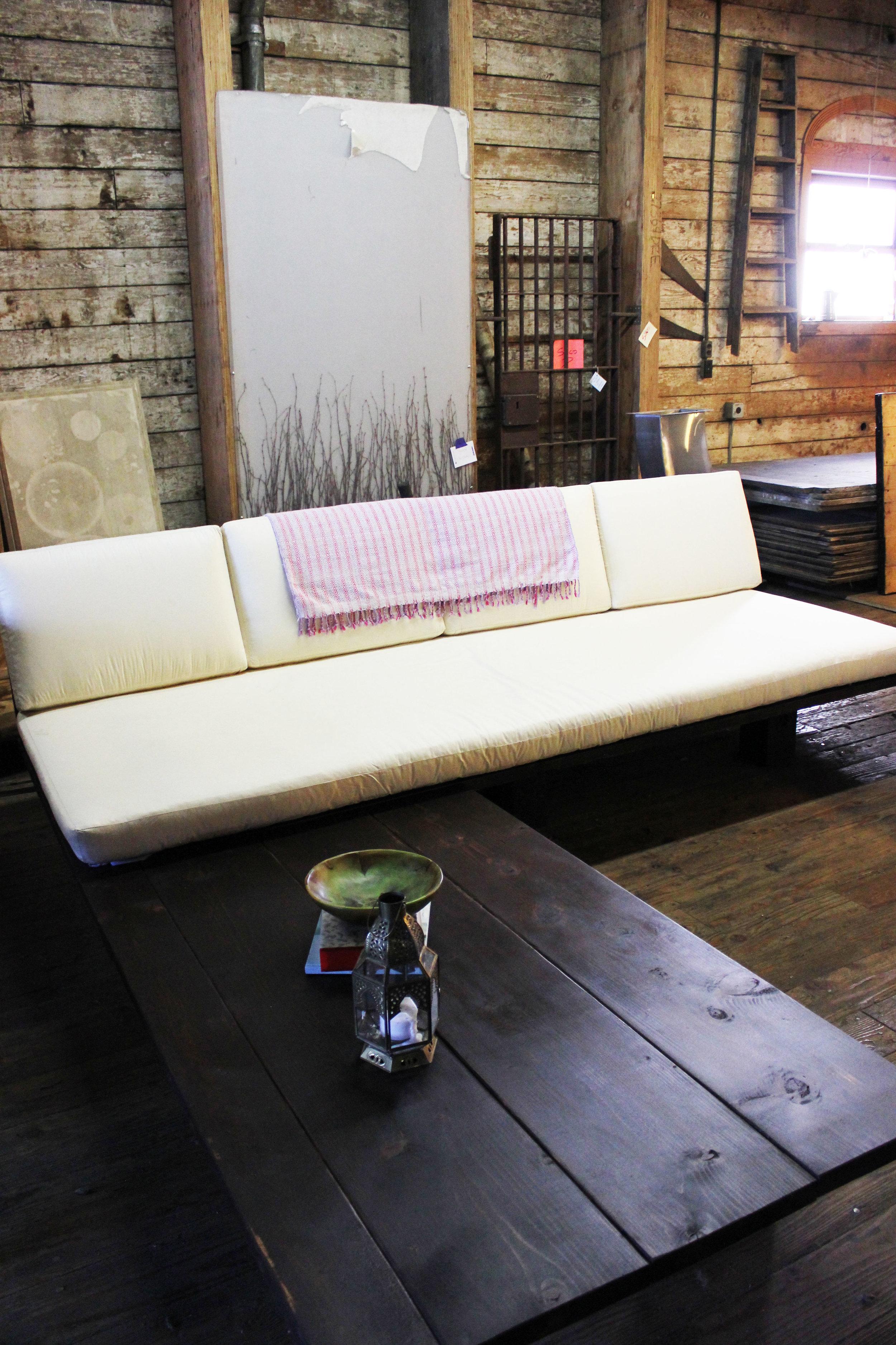 sofa.5.jpg