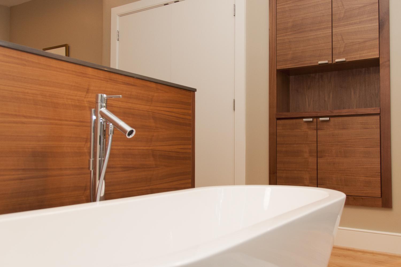 pine_bathroom-2.jpg
