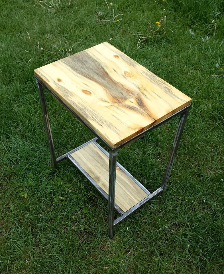 Bookmatched End Table