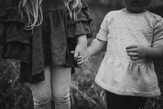These sweet sisters. I really hoped to capture their bond In a timeless way.  I love this picture! 😍 . . . . . . #childhoodunplugged  #candidchildhood  #dearphotographer  #dearestviewfinder  #letthekids  #clickinmom  #our_everyday_moments  #simplychildren  #kidsforreal  #thesincerestoryteller  #lifewellcaptured  #magicofchildhood  #documentyourdaysproject  #childhoodeveryday  #let_there_be_delight #thelifestylecollective  #enchantedchildhood #lifewellcaptured #pocket_sweetness  #the_sugar_jar  #treasuringlittlememories #lifeandlensblog #jj_its_kids  #thebloomforum #atdiff_kids #celebratechildhood  #count_it_joy  #adventuresofchildren #bnwmagic #bnw_littles #sisters