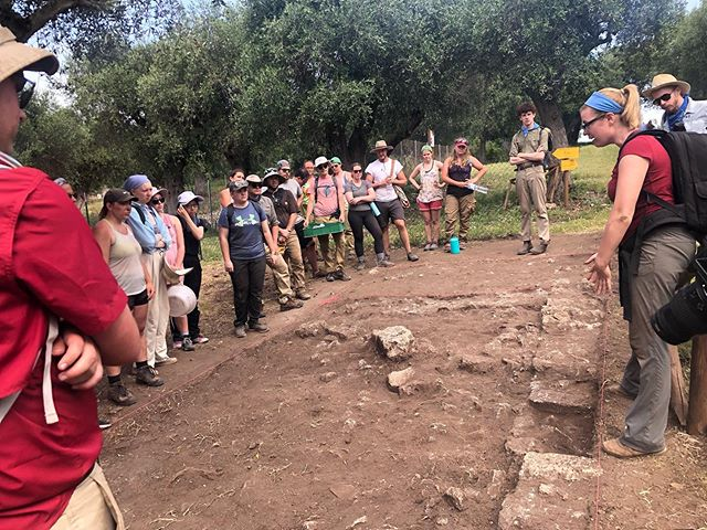 Friday's are for trench tours! Every Friday we visit each of the supervisors trenches to see all of the hard work we've been doing throughout the week! Pottery, roof tiles, and bones, oh my! -cat #romanarchaeology #cosaexcavations2019 #archaeology #romanbathhouse