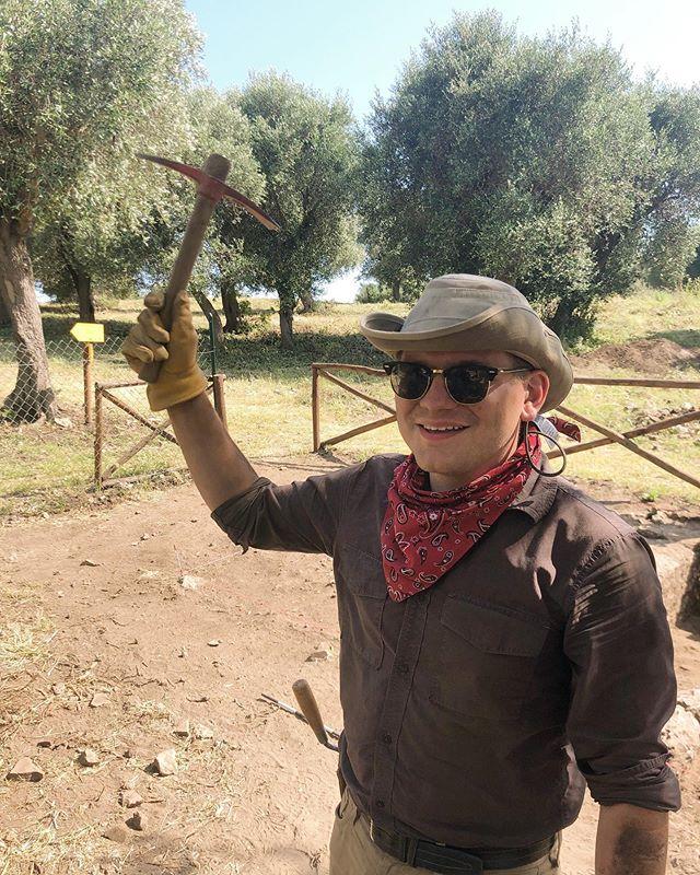 Diggin', yeein', and hawin' 🤠 -Avi  #cosaexcavations2019