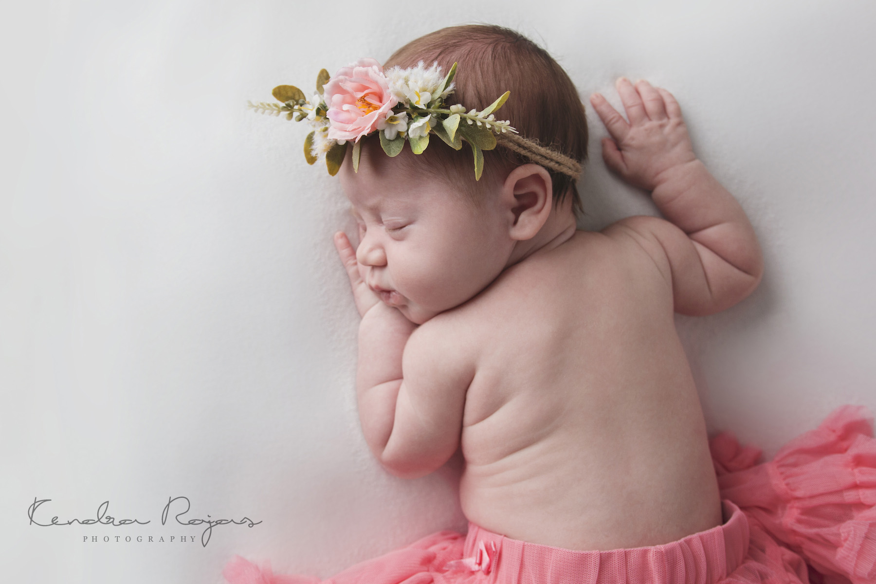 Newborn_Charlotte 112216_03_LOW_Social.jpg