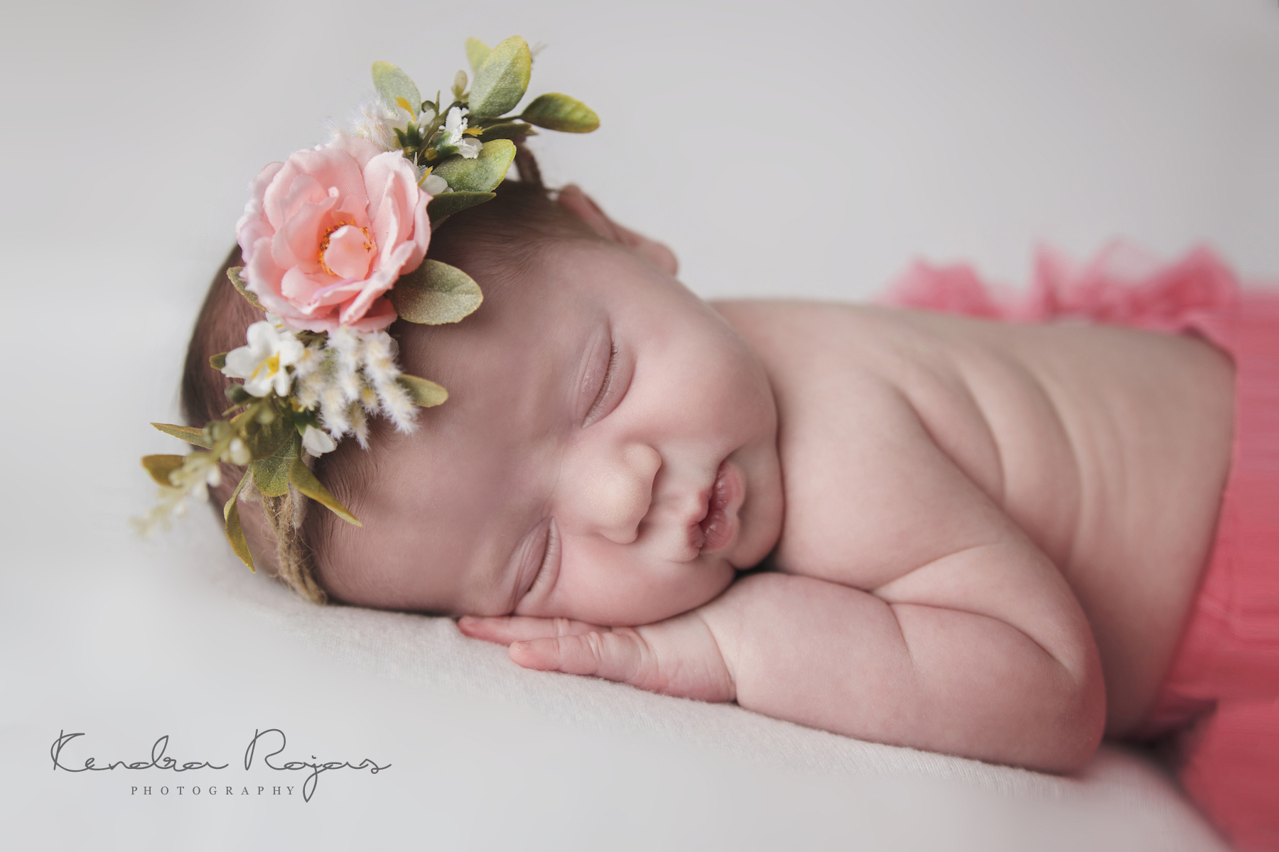 Newborn_Charlotte 112216_01_LOW_Social.jpg