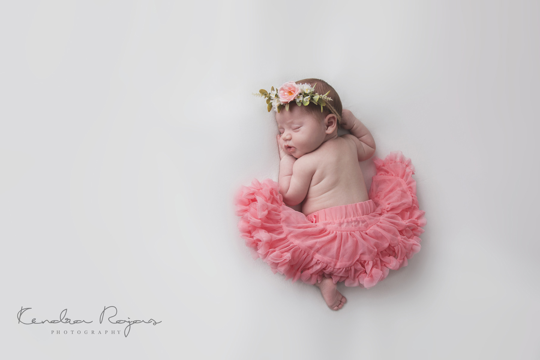 Newborn_Charlotte 112216_04_LOW_Social.jpg