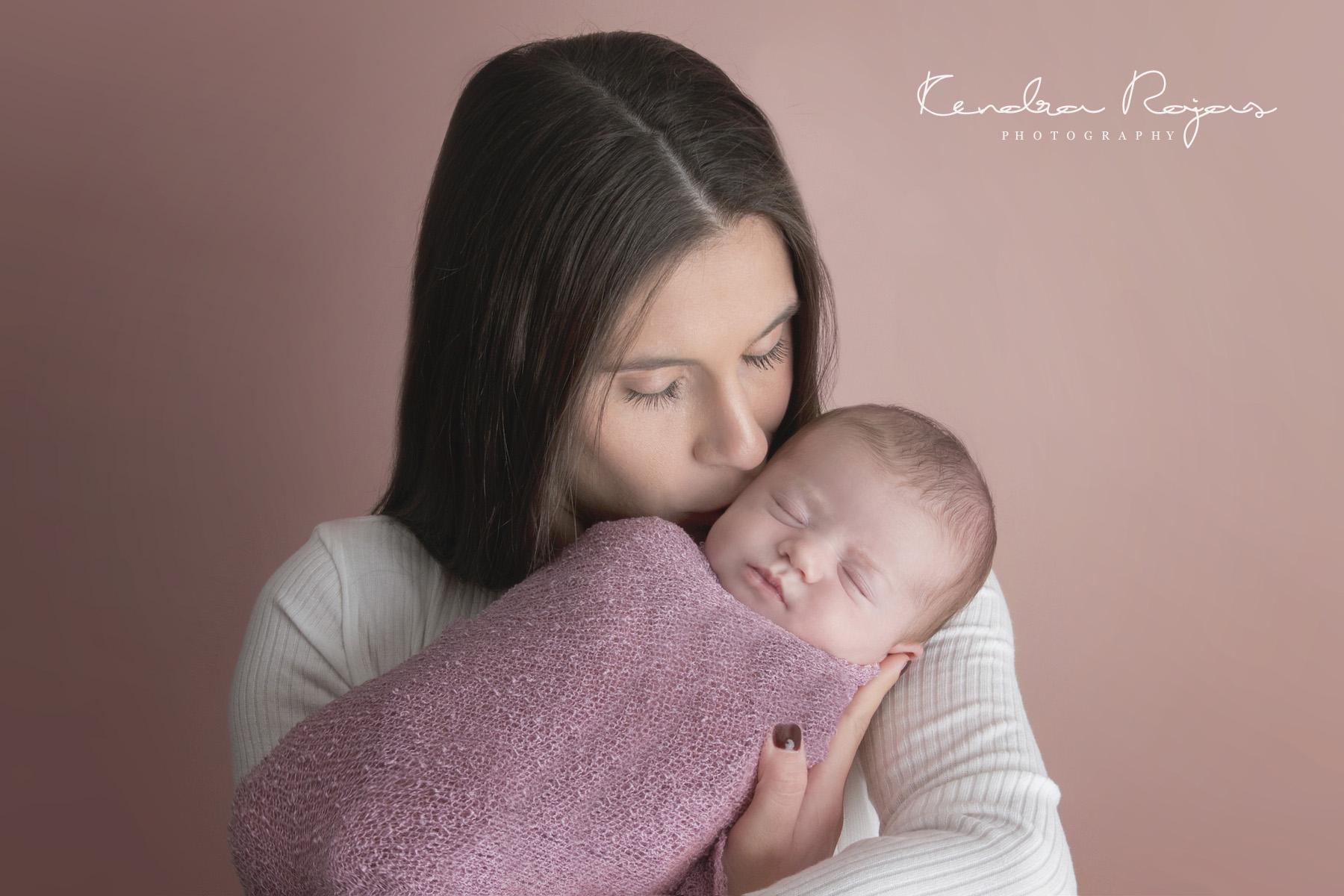 Newborn_Charlotte 112216_18_LOW_Social.jpg
