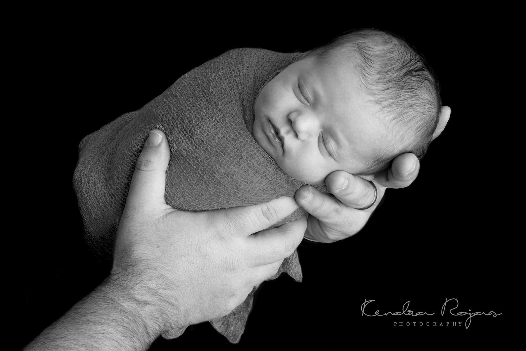 Newborn_Charlotte 112216_29_LOW_Social.jpg