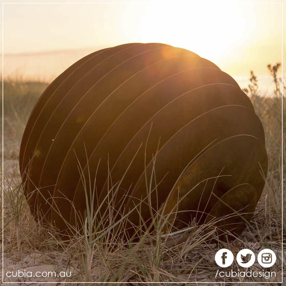 Cubia Slotted Geometry Sunken Sphere 03.jpg