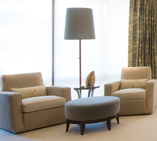 Domov_500x450_master_seating.jpg