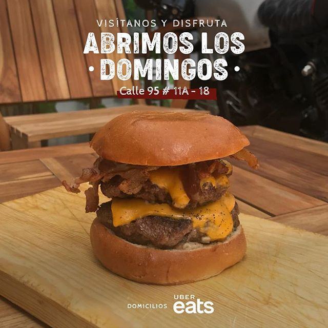 Ven y disfruta una exquisita #MartinicaBurger en el mejor ambiente motero de la ciudad ahora también el #Domingo 🤤🍔 __________________________ #TheNewTasteConcept #Tasty #BestBurger #BestFlavor #Domicilio #BestFood #IWant #Delicious #Food #Burger #InstaFood