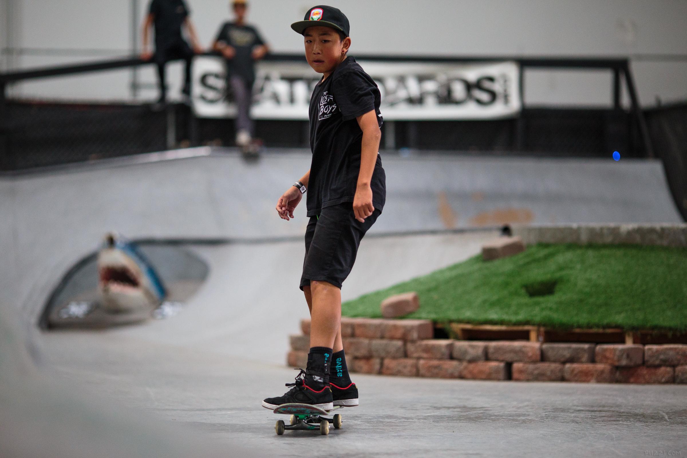 skate_gap_bsflip_kevin_rollaway.jpg