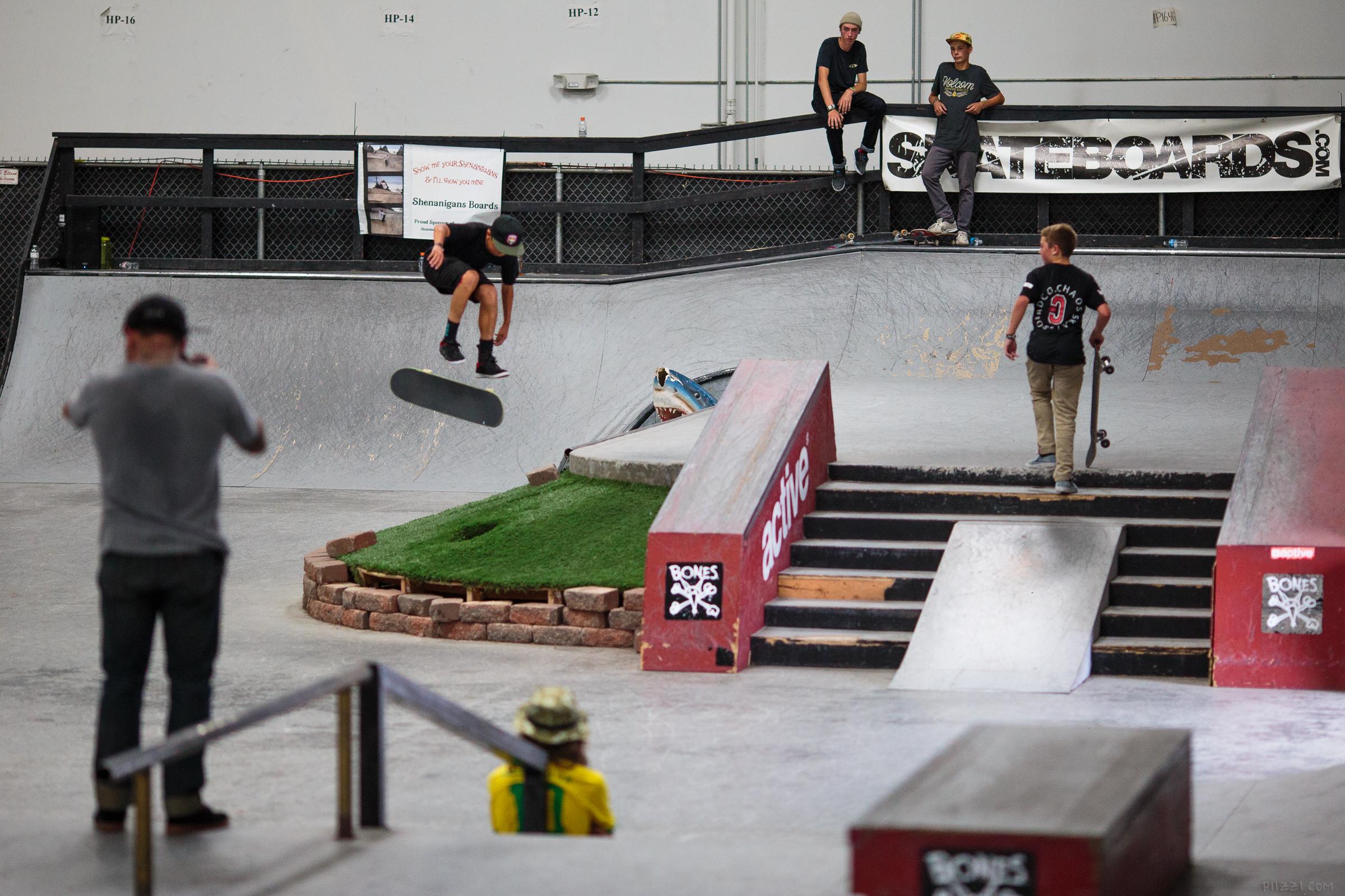 skate_gap_inward_kevin.jpg