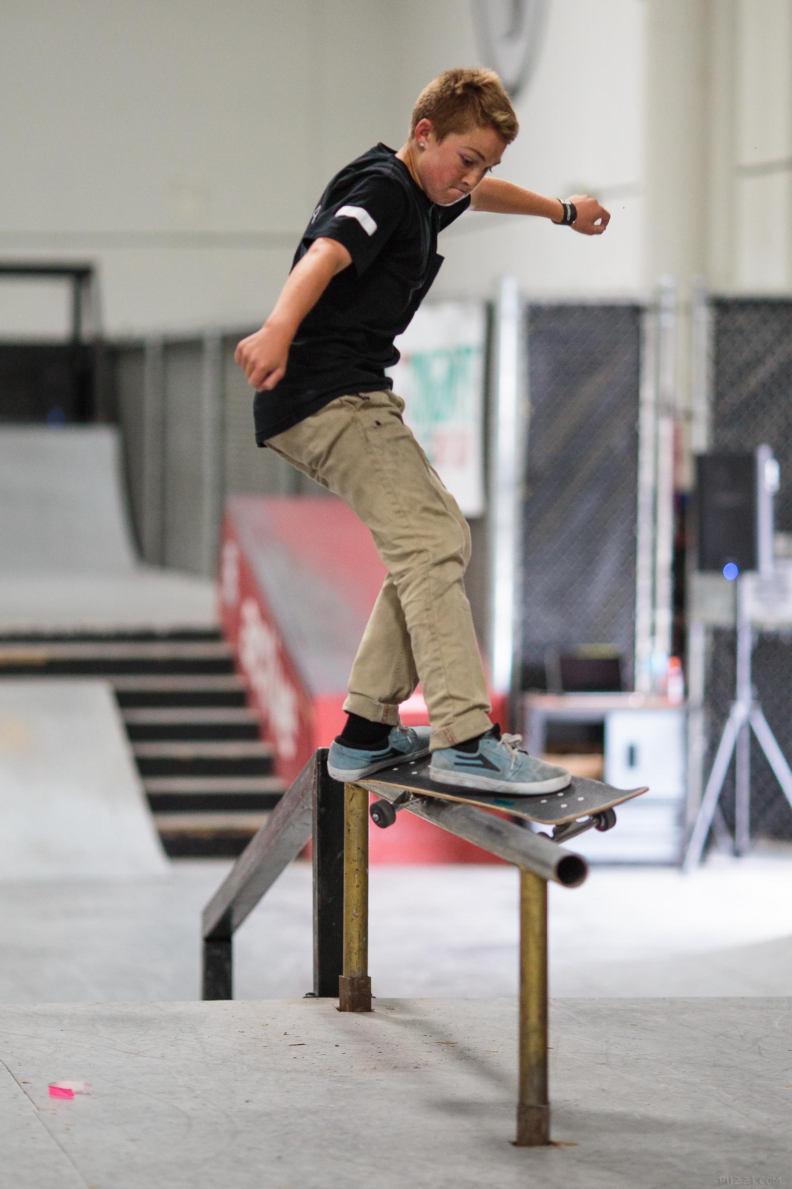 skate_rail_fsfeeble_dylan.jpg