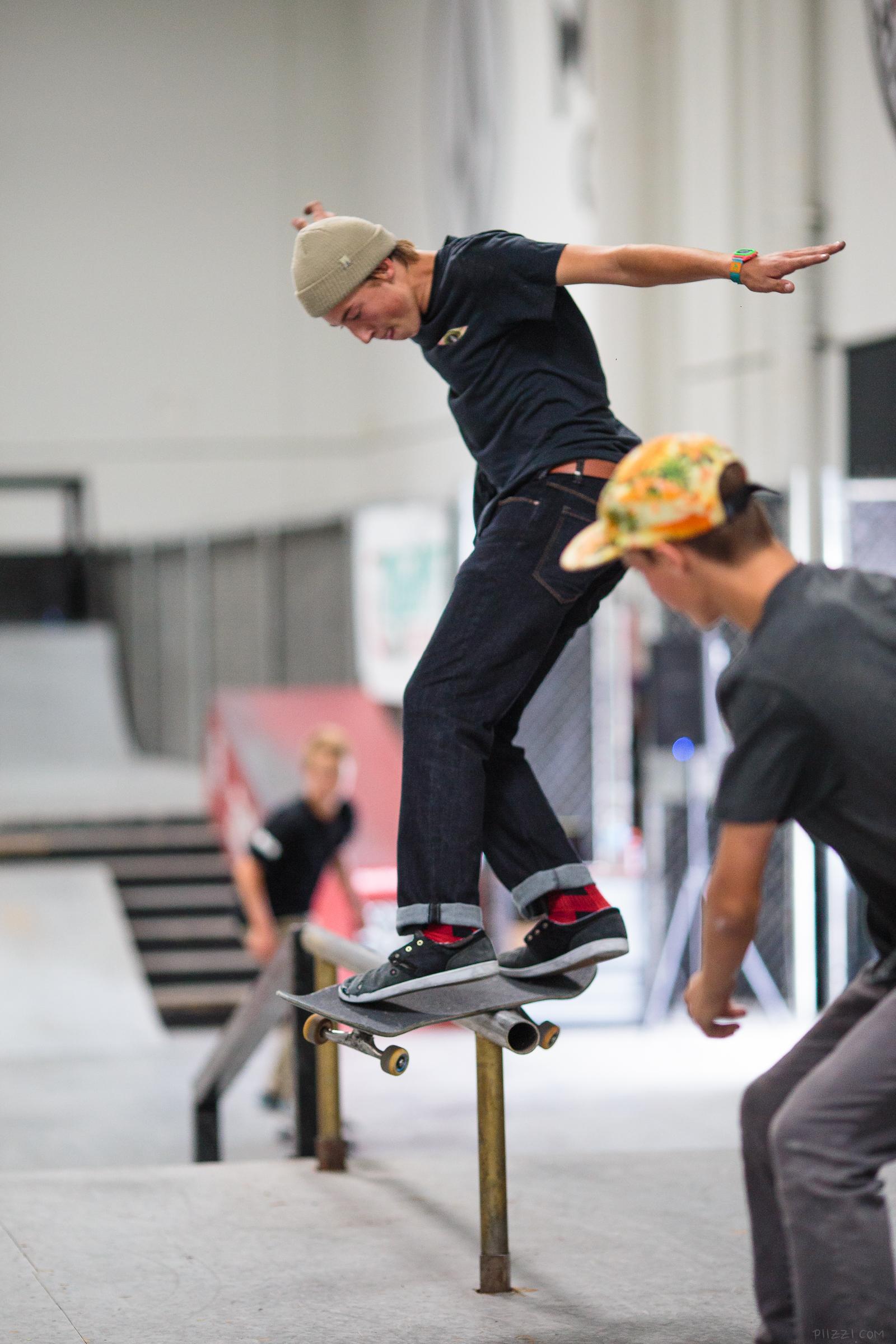 skate_rail_sequence_3.jpg
