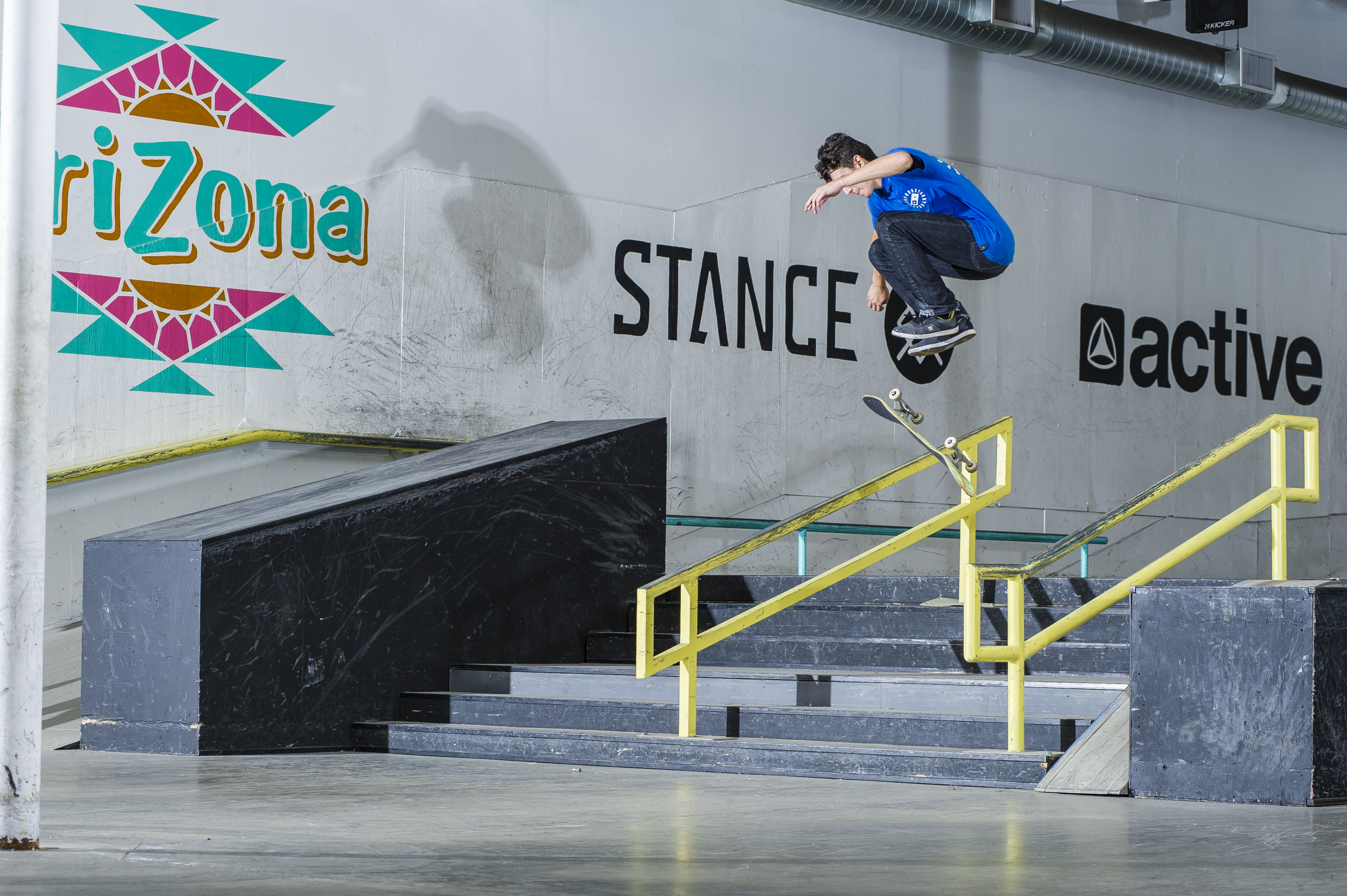 Isaak Abundis - inward heelflip