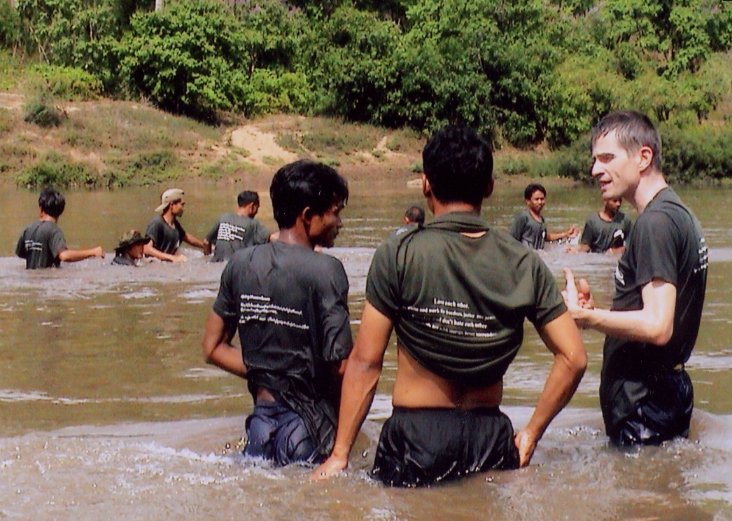 TEACHING SWIMMING TO THAI/BURMA RELIEF TEAMS