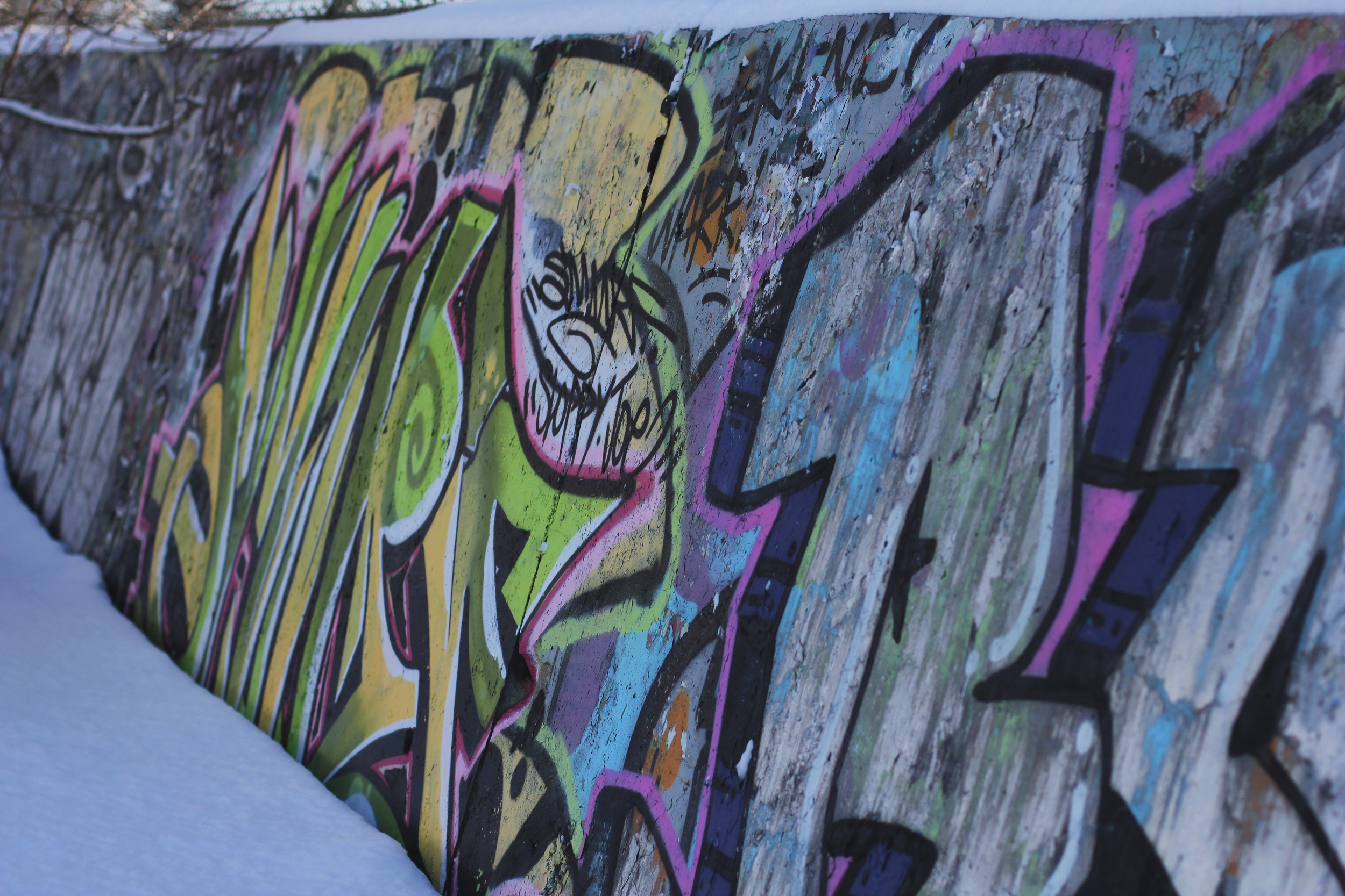 *graffitiwall.jpg