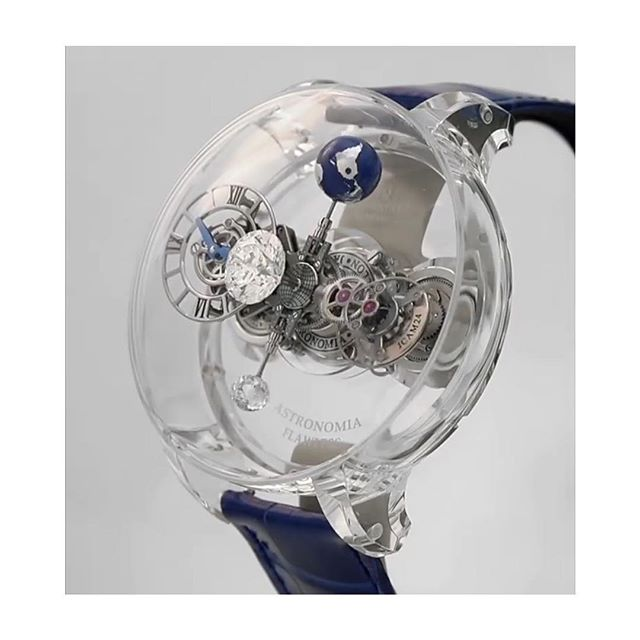 #watchgoals @jacobandco 2.88 flawless diamond in the middle, full sapphire two part case = watch heaven