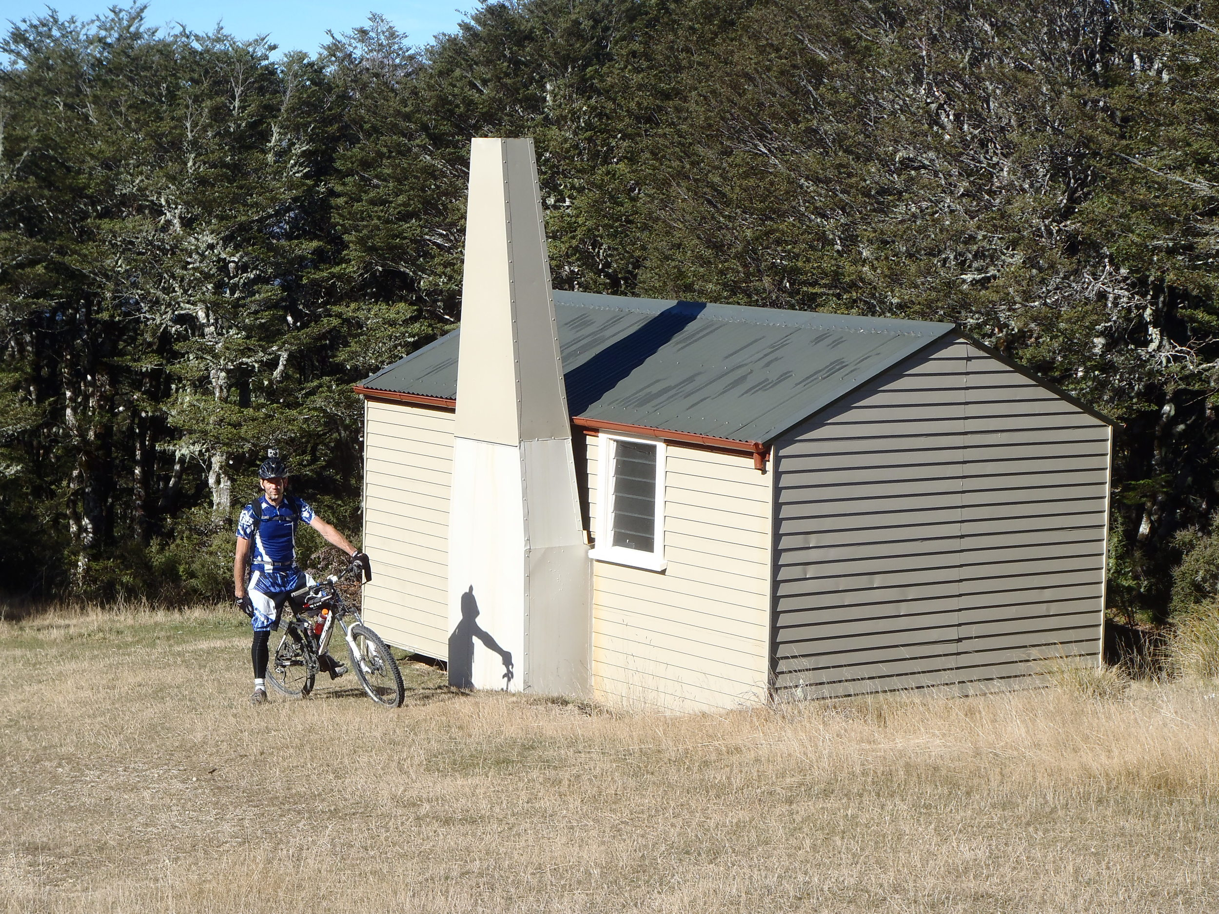 A stop in at the DOC Beeby's Hut along the way
