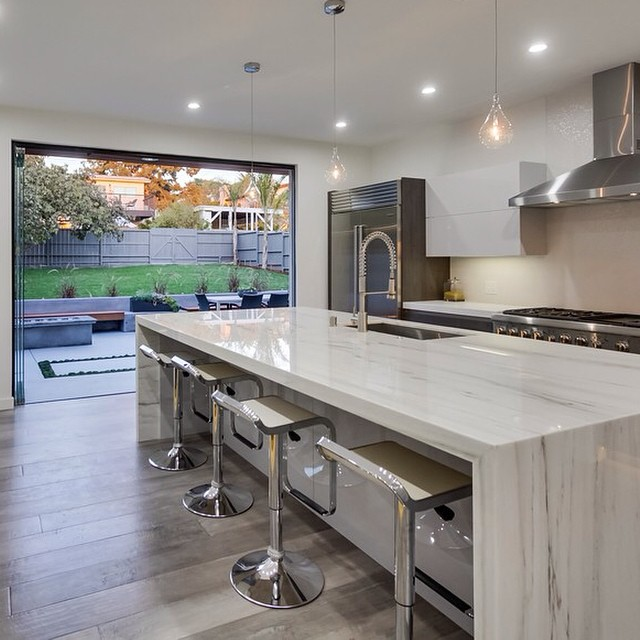 #kitchenrenovation in Mar Vista, CA. Perfect design for entertaining! Financing by #CrosswindFinancial #remodel #marble #moderndesign