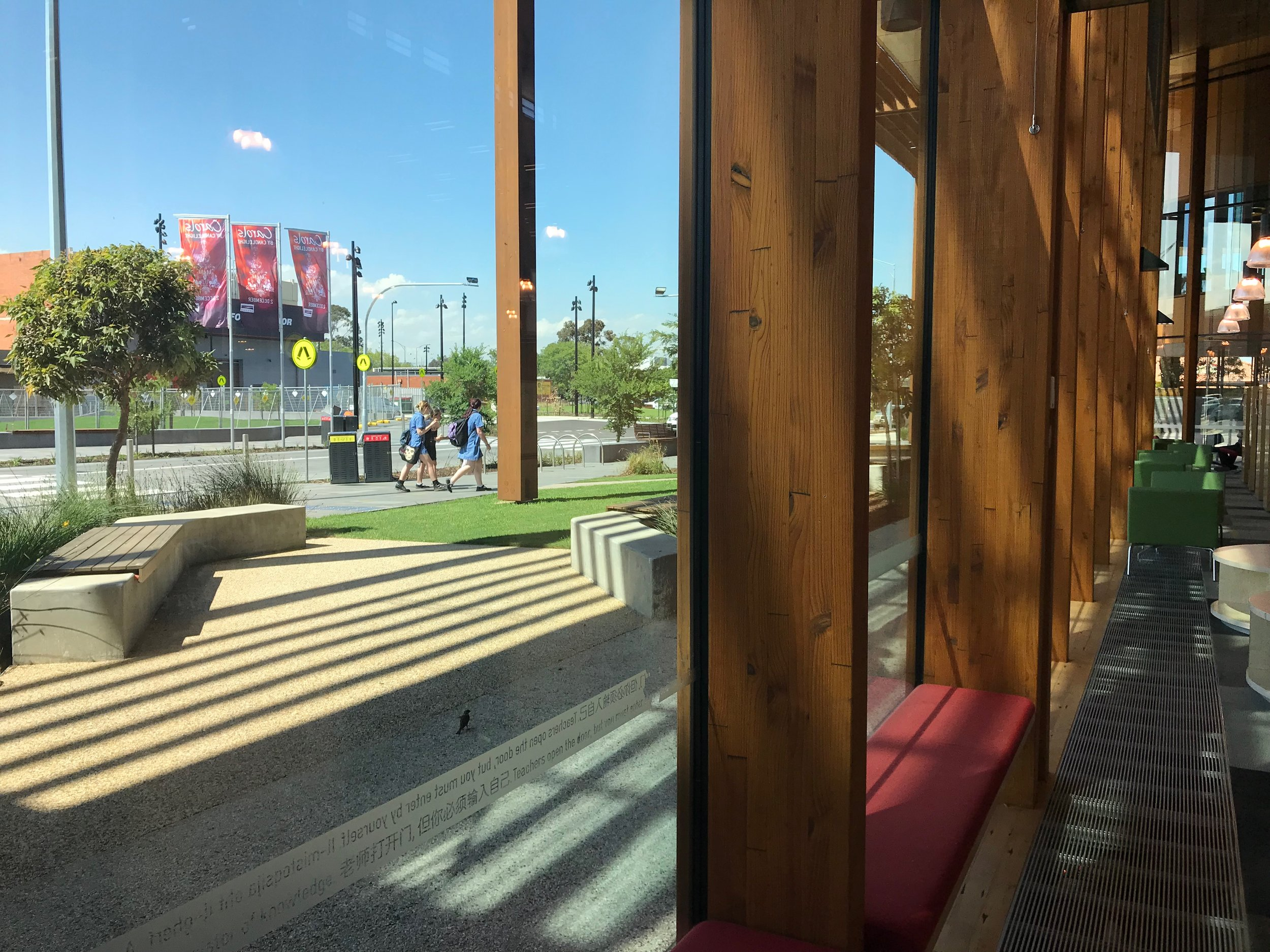 The library is closely connected to new public spaces outside. Double glazed windows help with energy reduction and mean that, despite construction outside, the library is very quiet.