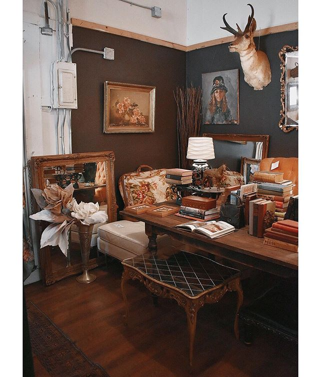 """I've got a theory...if you love your work space, you'll love your work a little more."" - Cynthia Rowley . . . . . #inspiringworkspaces #theseareafewofourfavoritethings #rubyrose805"