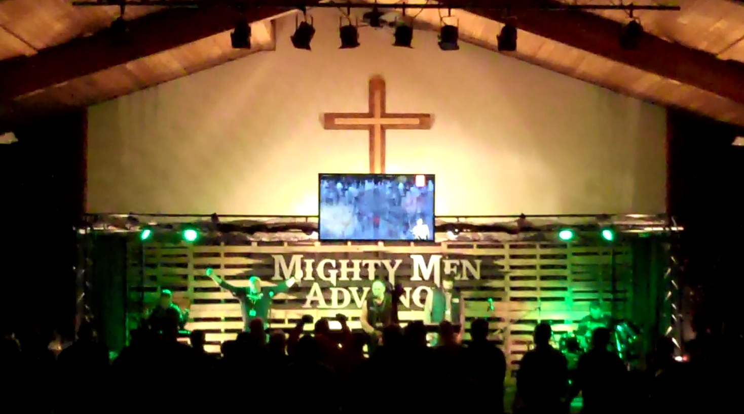 2015 Advance Stage Worship2.jpg