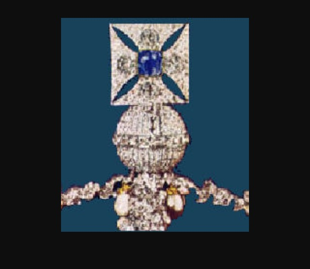 A close up of the St. Edward's Sapphire which rests in the Imperial State Crown.