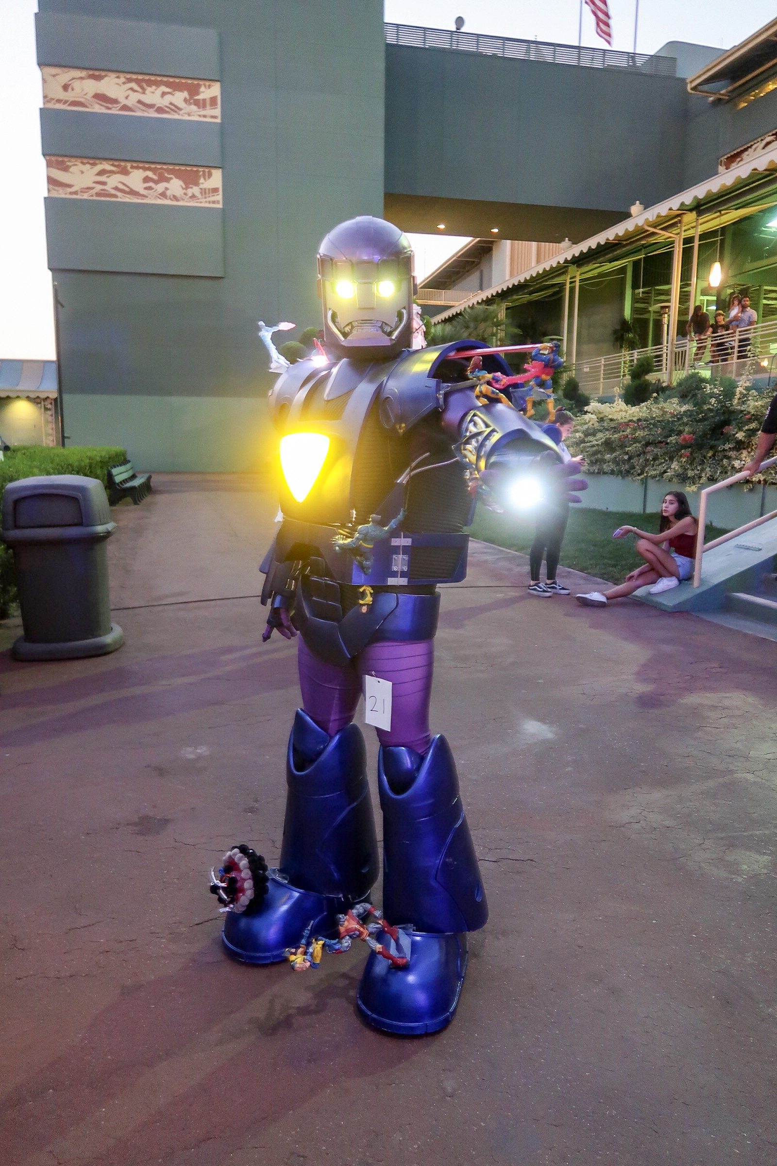 626-night-market-cosplay-contest-xmen-sentinel.JPG