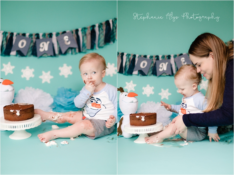 © 2018 Stephanie Alys Photography » Birthday Cake with Olaf!   Cypress, TX Cake Smash Photographer