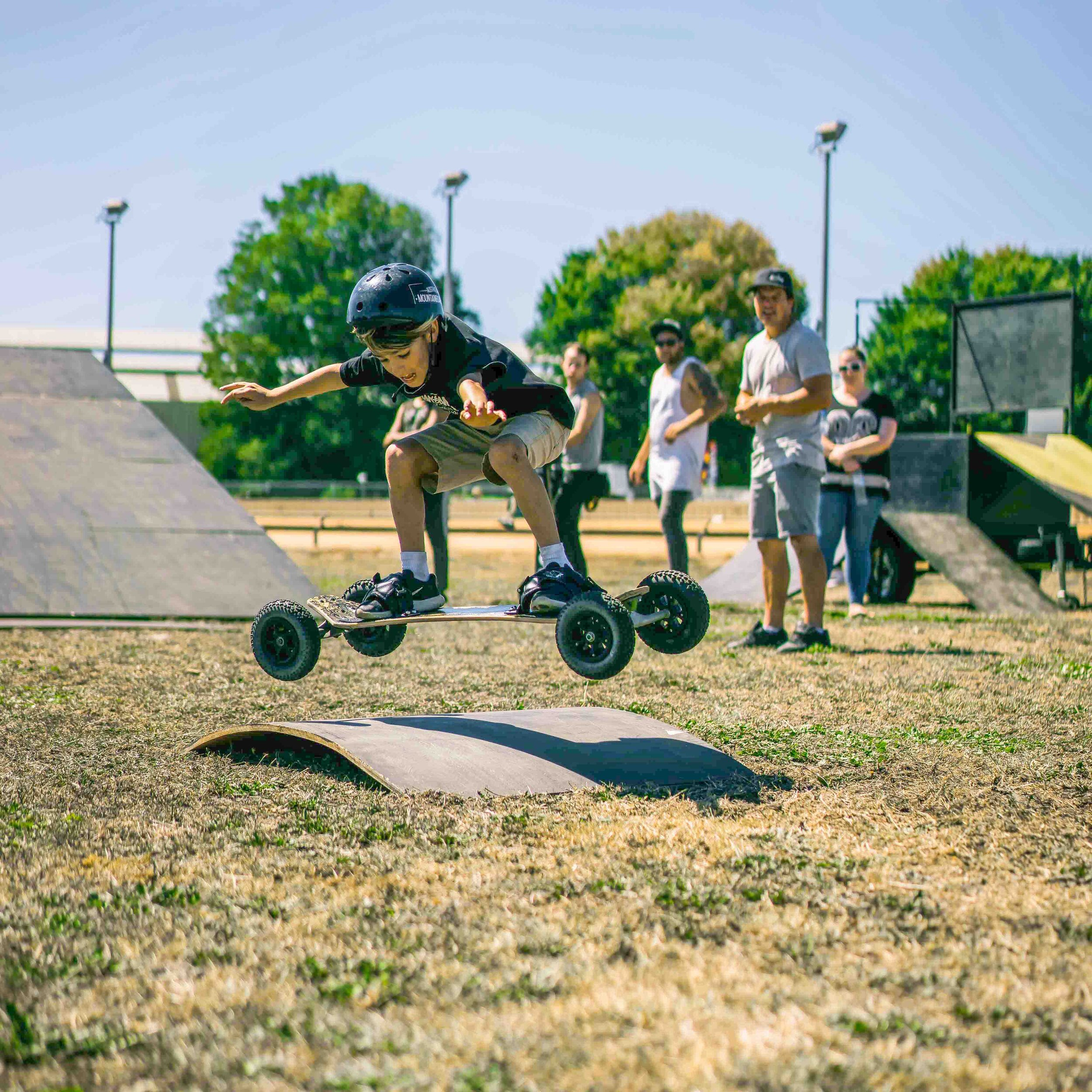 Knox - Learn to Mountainboard with James at Llwellyn Park in Wantirna South (Llwellyn Park drive Entrance). Weekdays from 4:30pm-6:30pm and Saturday from 10am-12pm.Group Lessons$30.00pp (Minimum of 2 people)1 Hour LessonPrivate Lessons$60pp1 Hour LessonEmail ausmountainboarders@gmail for bookings. Closed toe shoes must be worn. We can supply helmet + board on request. Under 18 must have guardian sign waiver. Prior to lesson download and complete mandatory WAIVER BY CLICKING HERE