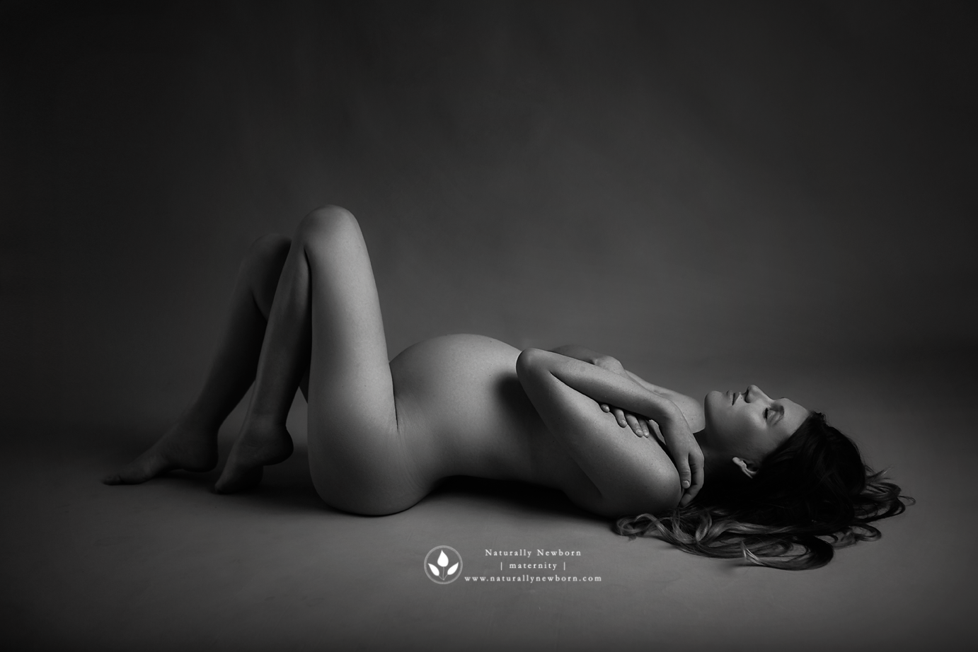 orange-county-maternity-boudoir-nude-classy-black-and-white-studio-irvine.png
