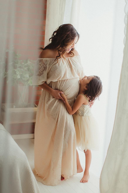 mommy-and-me-photography-orange-county-maternity-studio-brick-wall.jpg