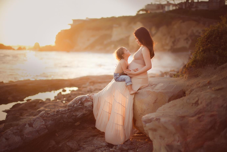 orange-county-maternity-photography-newport-beach-corona-del-mar-boho-pregnancy-toddler.jpg