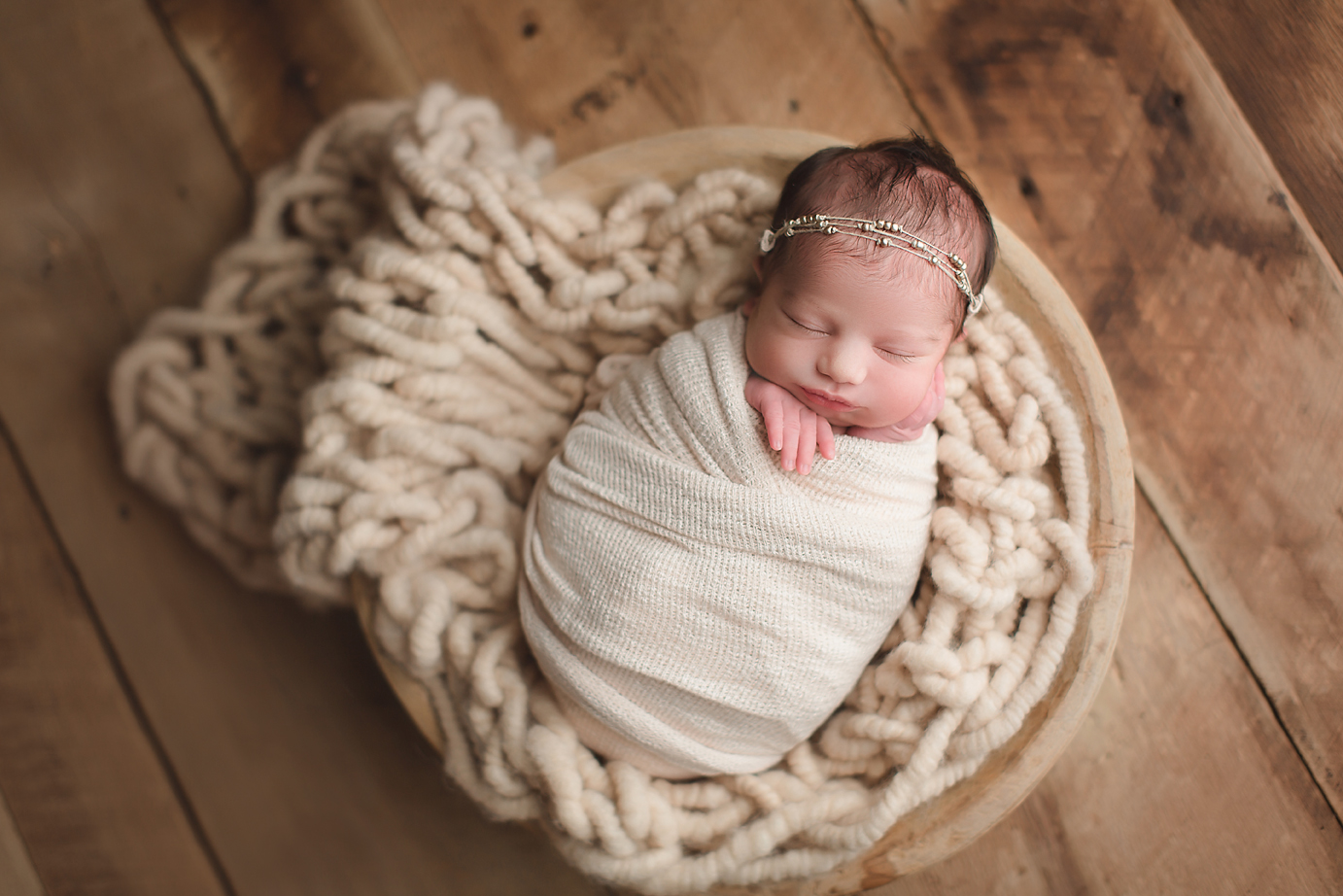 irvine-newborn-photographer-natural-organic-bowl-wrapped-boho-orange-county.jpg