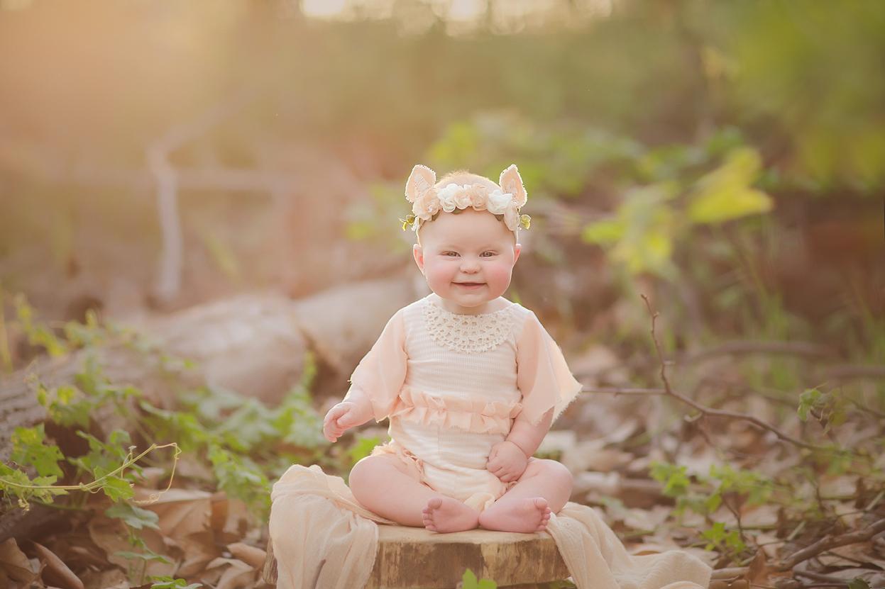 irvine-baby-photographer-forest-deer-girl-woods.jpg