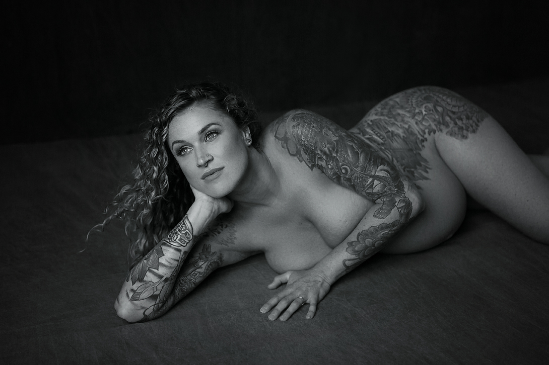 orange-county-maternity-photography-studio-irvine-newport-beach-fine-art-nude-tattoos-pregnancy.jpg