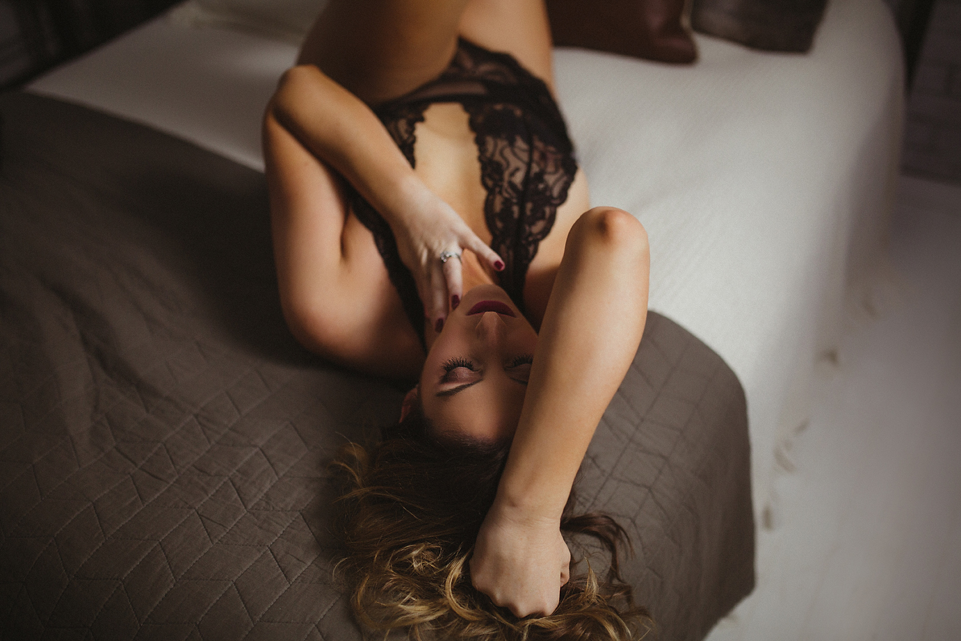 orange-county-boudoir-photography-studio-sexy-intimate-emotional-raw.jpg
