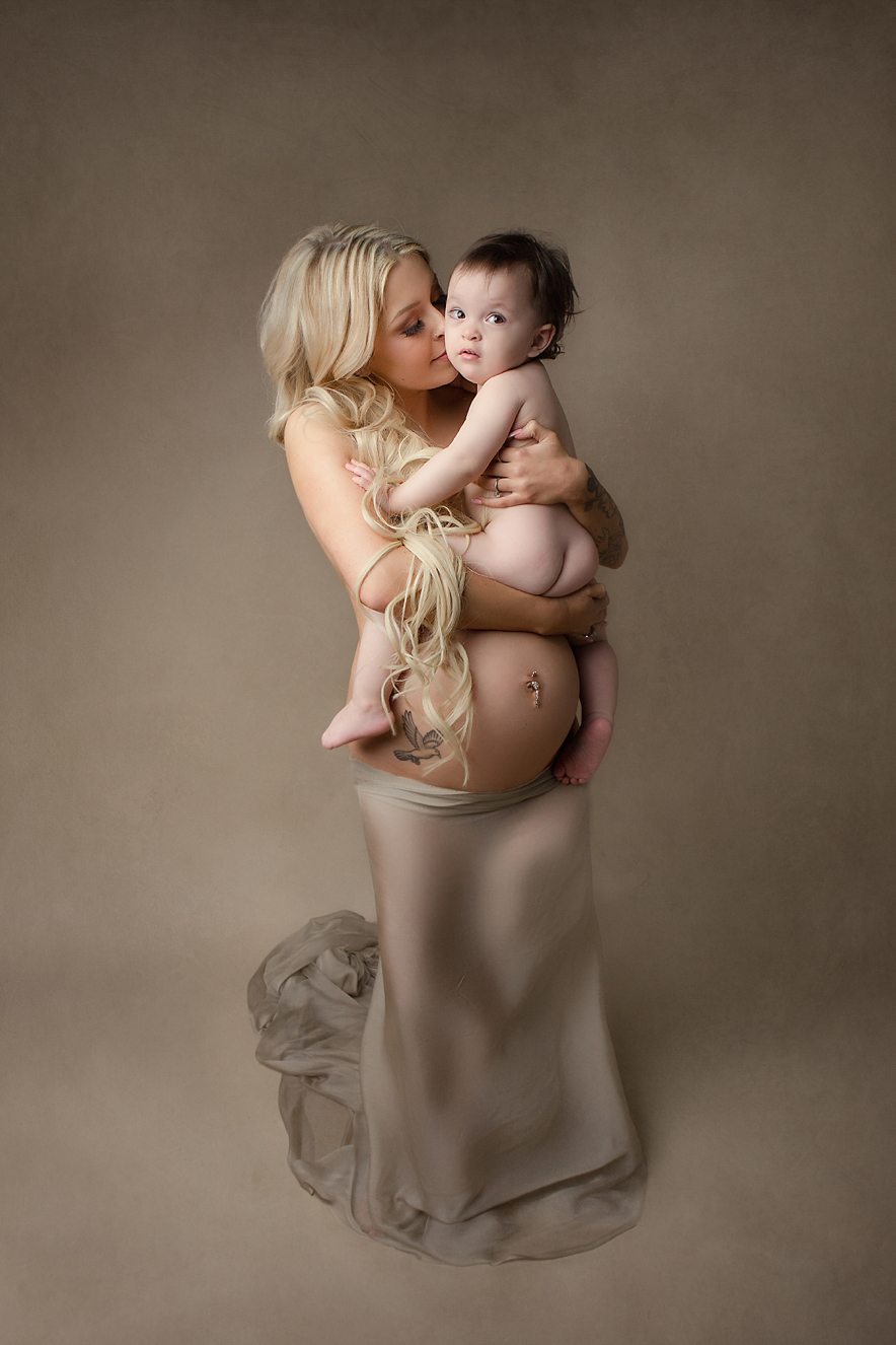 irvine-maternity-photography-studio-fine-art-mom-with-baby-nude-glamour.jpg