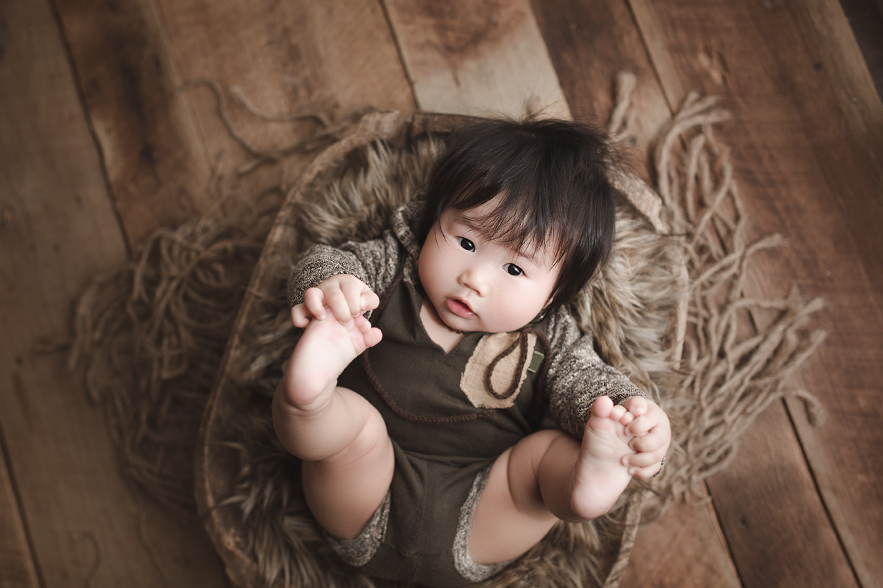 orange-county-100-days-photography-studio-baby-boy-natural-rustic-irvine-photographer.jpg