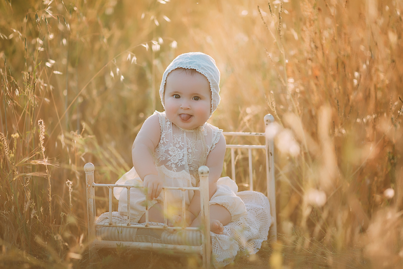 irvine-baby-photographer-orange-county-studio-outdoor-sunset-vintage.jpg