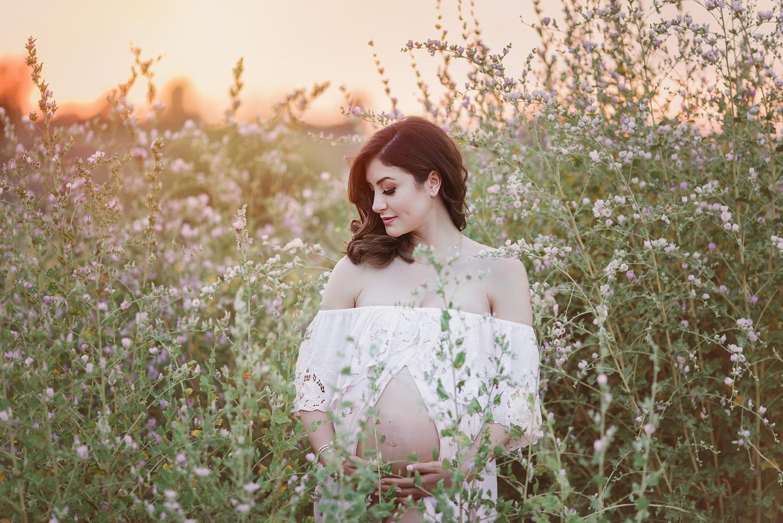 orange-county-maternity-photographer-irvine-newport-beach-flower-field-outdoor-fine-art.jpg