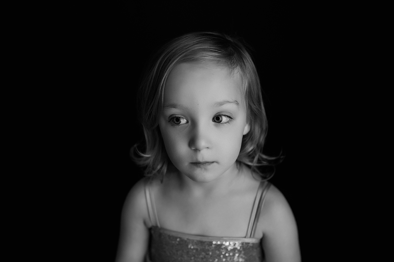 orange-county-simplicity-headshot-child-photographer-moody.jpg