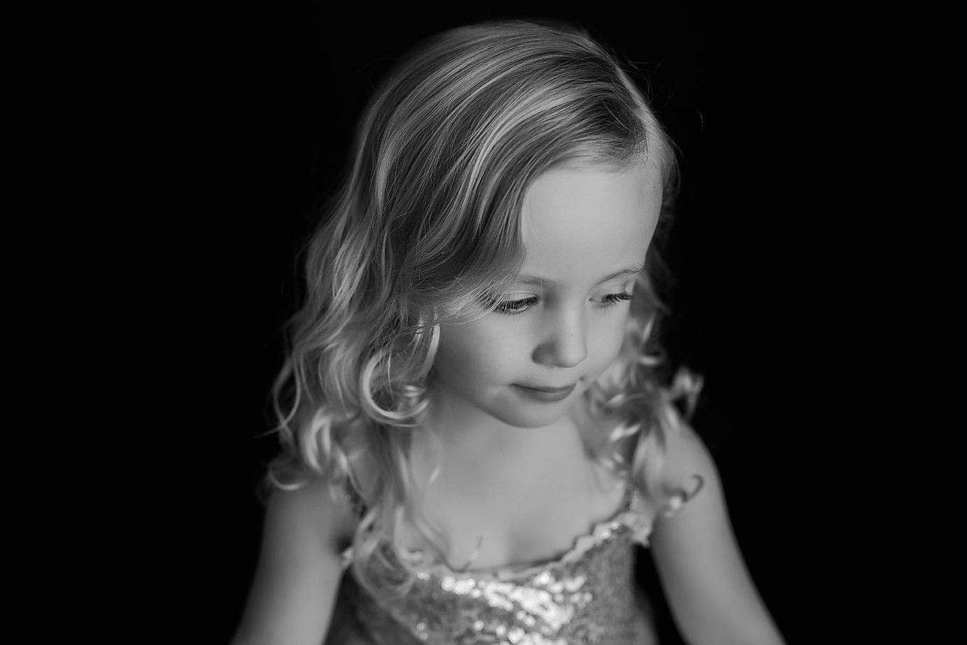 orange-county-child-photography-simplicity-session-black-and-white-girl-mood.jpg