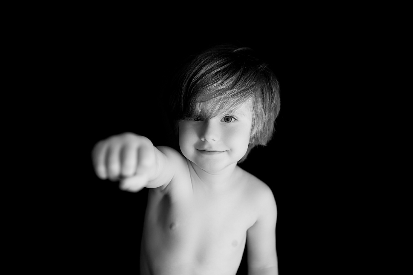 orange-county-child-photography-studio-black-and-white-simplicity-session.jpg