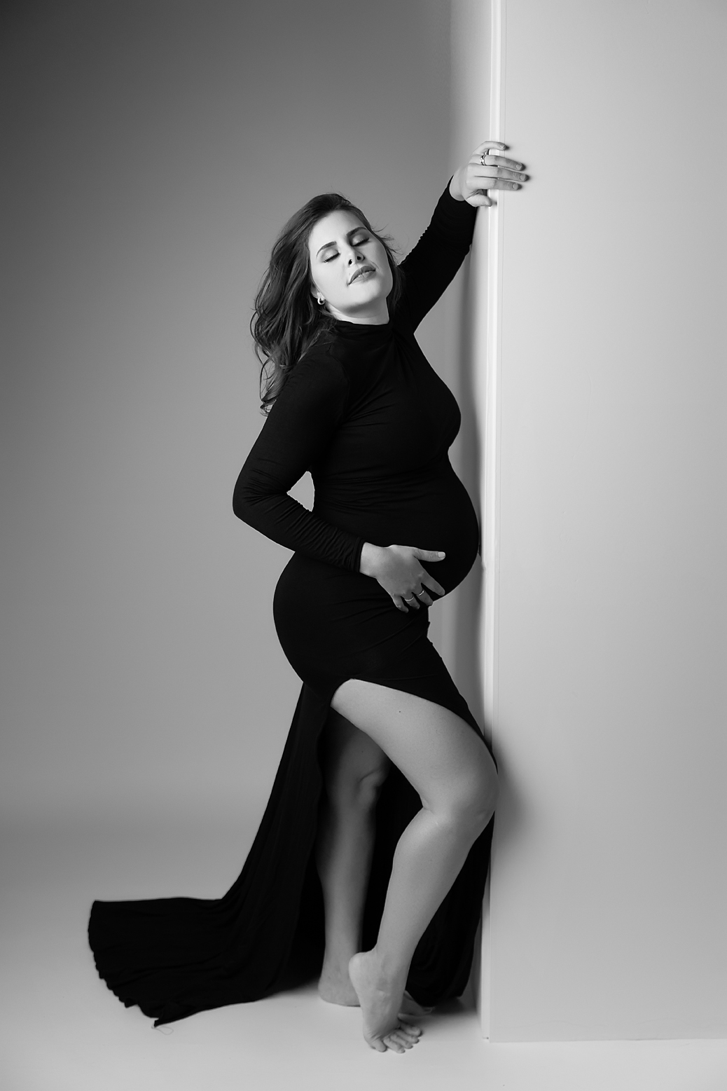 orange-county-los-angeles-fashion-maternity-photography-editorial-luxury-black-and-white-turtleneck-dress.jpg